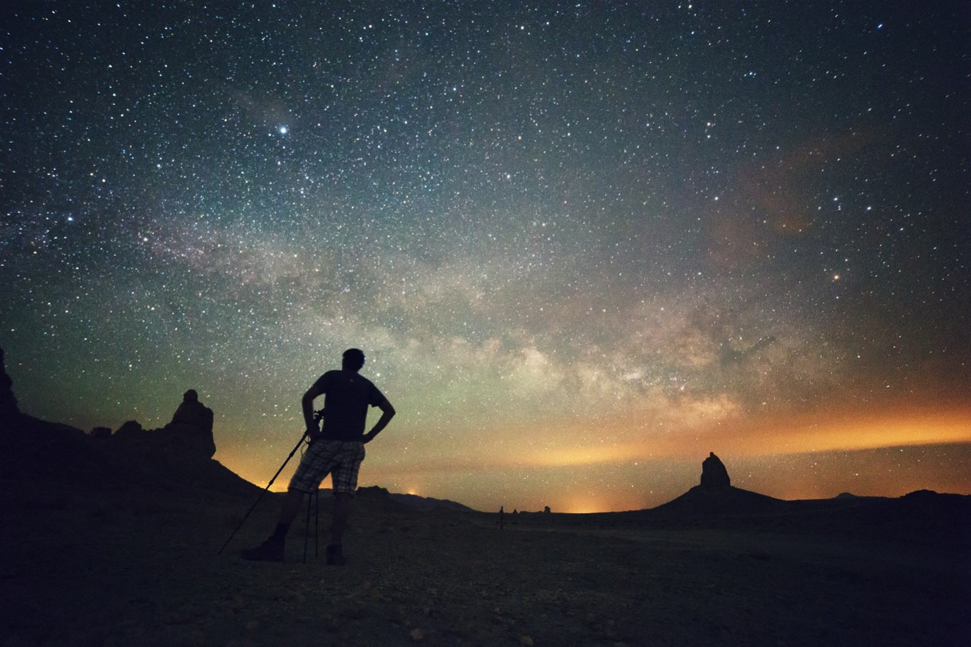 Rokinon 14mm f/2.8 Astrophotography - Trona Pinnacles