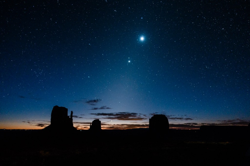 venus-and-jupiter-monument-valley-101