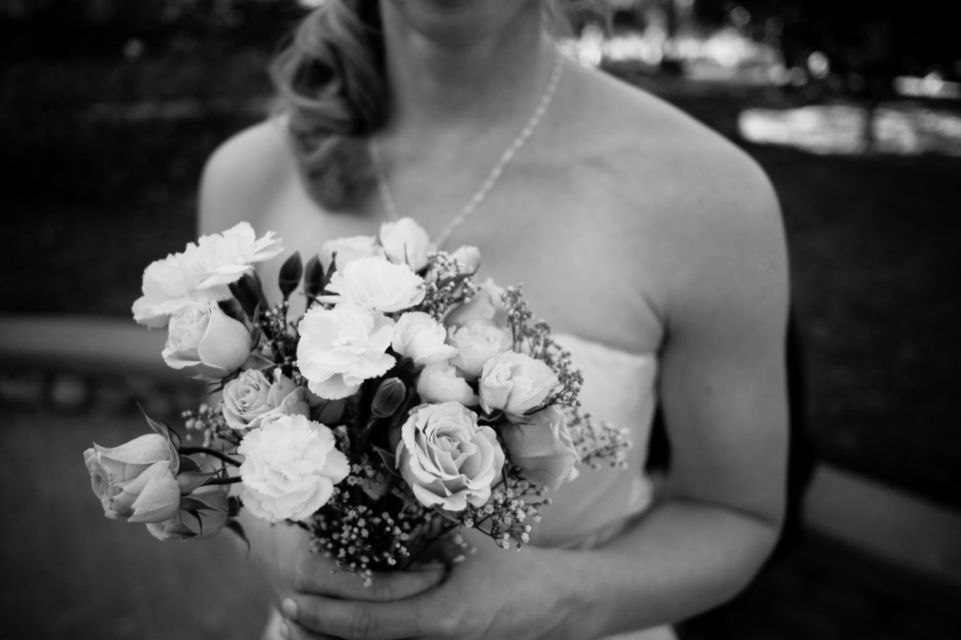 x-e1 bridesmaid flowers