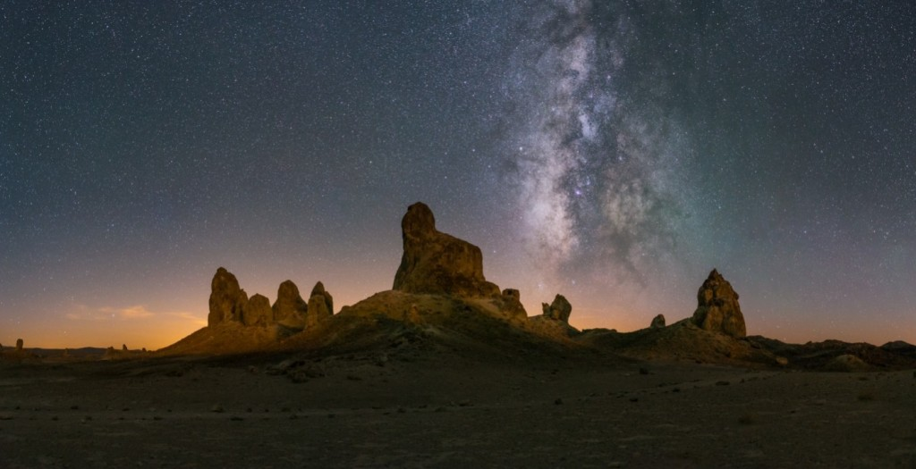 trona-pinnacles-california-milky-way-ian-norman