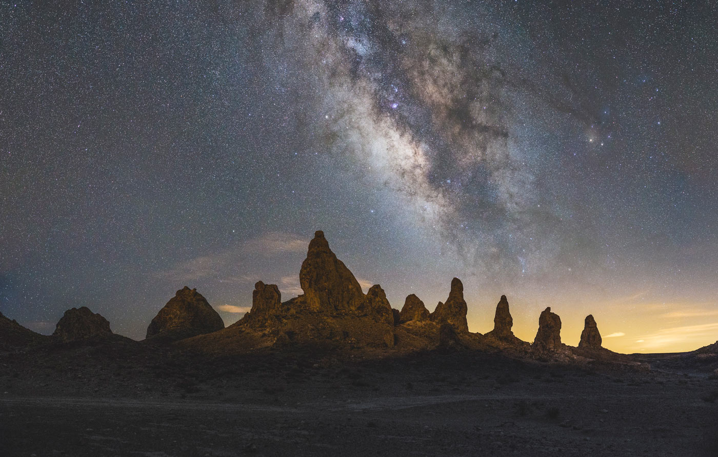 trona-pinnacles-milky-way