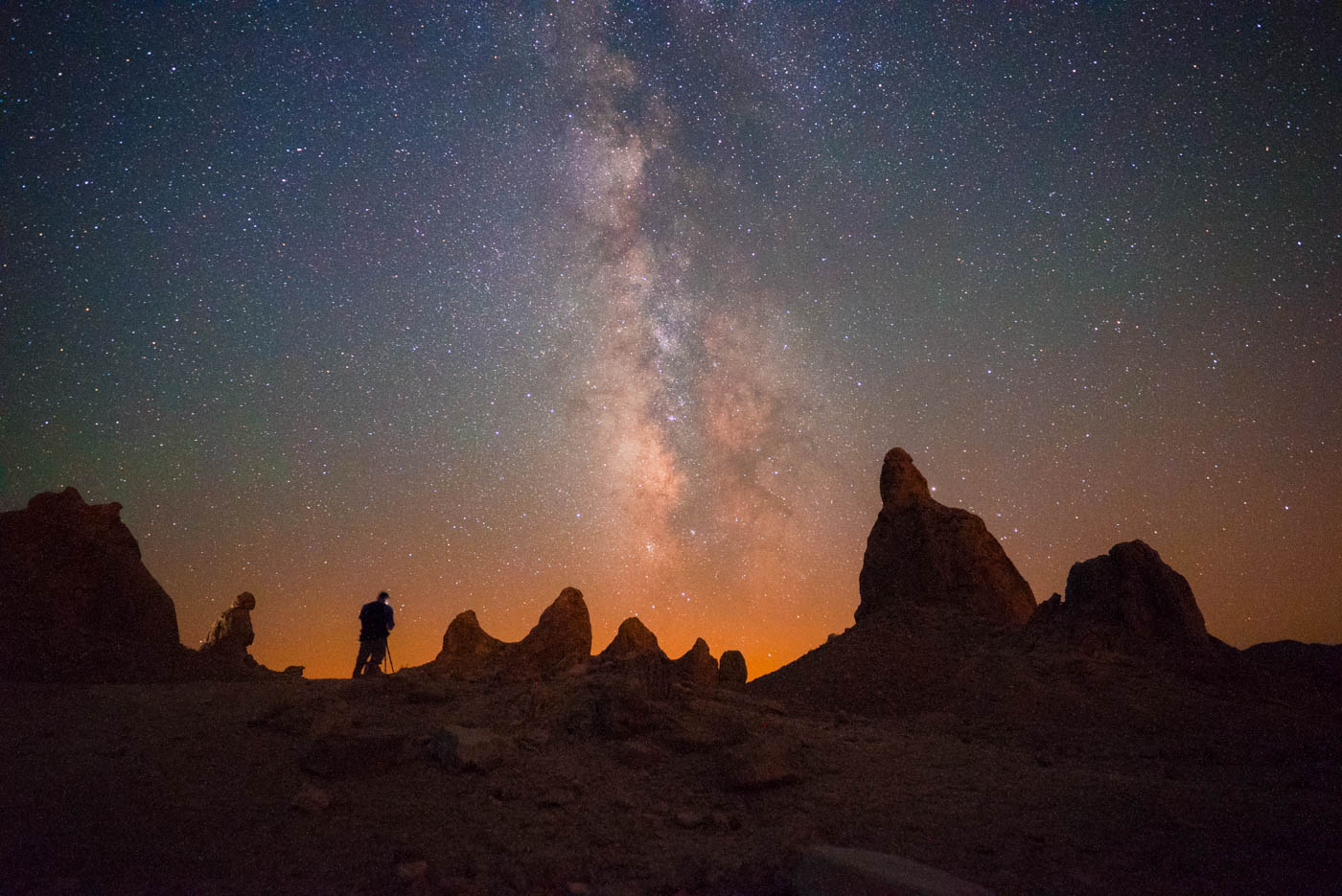 lonely-speck-meetup-2016-trona-pinnacles-milky-way-2