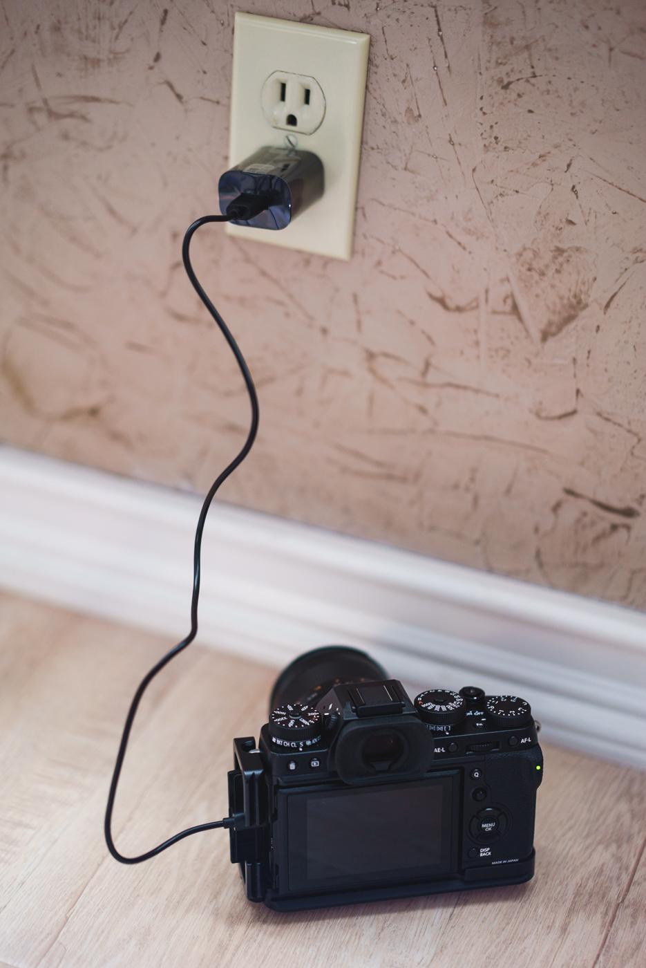 Fujifilm X-T2 Charging