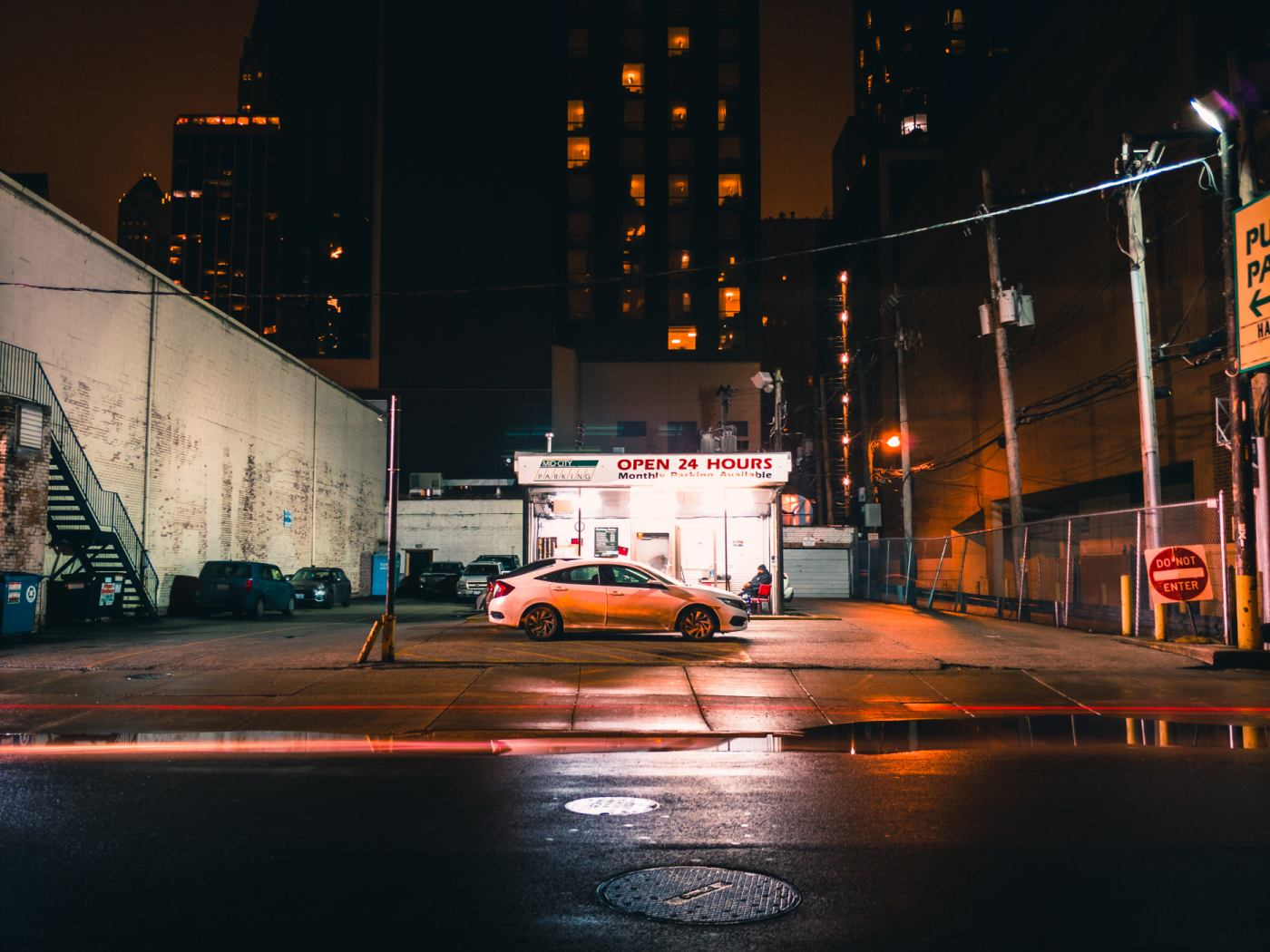 Smartphone Night Photography Shootout: ZenFone 4 Pro vs  U11 vs  V30